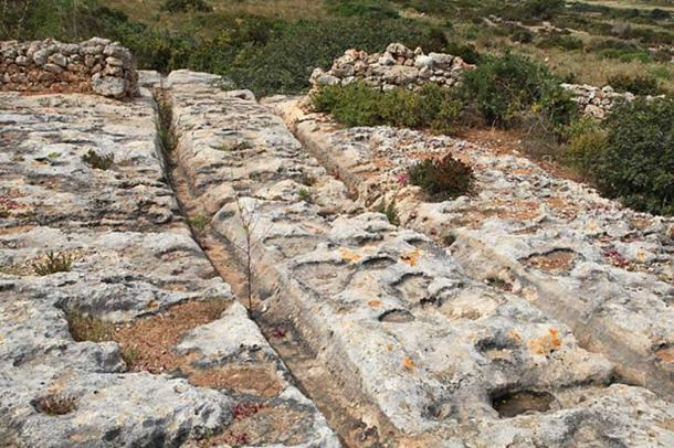 Raddet ir-Roti Cart Ruts, Camino de Xemxija en Bahía St. Paul, Malta. (Frank Vincentz / CC BY SA 3.0)
