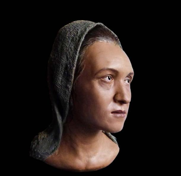 Reconstrucción de la cabeza de la mujer Sarmati con un cráneo alargado. (Аркаим)