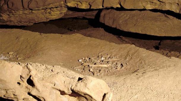 Restos humanos en la cueva Grotte de Cussac. (Universidad de Wollongong)