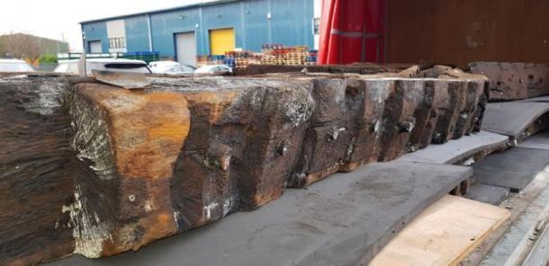 Tabla de madera restaurada de la nave medieval de Newport. (Amigos del barco de Newport)