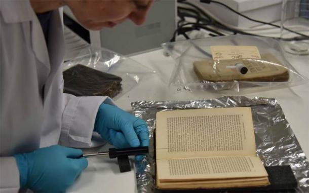 Según la Dra. Sara Tonelli, de Fondazione Bruno Kessler (FDK), el equipo utilizará inteligencia artificial para investigar diferentes olores y encontrar información sobre el olfato en textos antiguos. (Odeuropa)