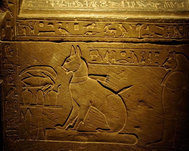 El sarcófago del gato del Príncipe Heredero Thutmose, el hijo mayor de Amenhotep III y la Reina Tiye.