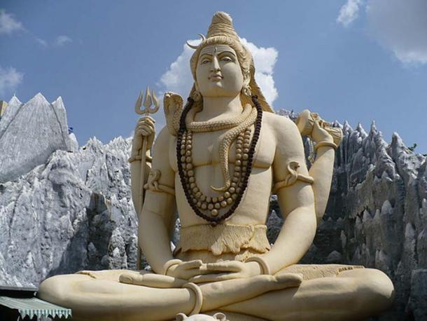 Estatua de Shiva en el templo de Kempfort Shiv, Bangalore. (CC BY SA 3.0)