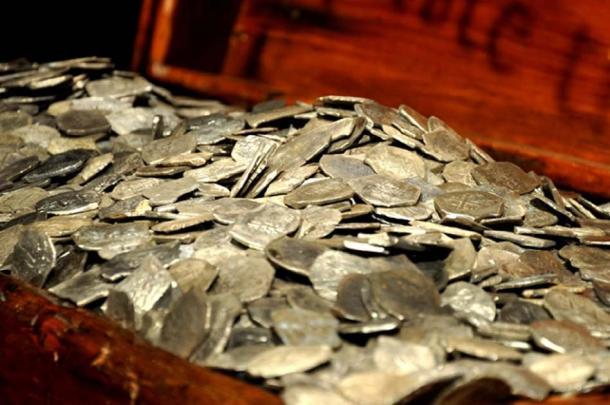 Plata recuperada del naufragio de Whydah. (Theodore Scott / Dominio Public)