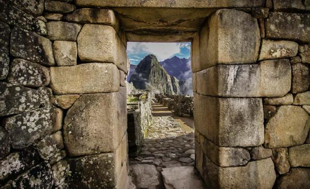"""Una """"ventana de solsticio"""" en Machu Picchu. (Uwe Bergwitz / Adobe stock)"""