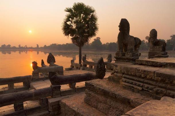 El sitio del embalse de Srah Srang al atardecer, Angkor Archaeological Park, Camboya. (fotografías steph / Adobe Stock)