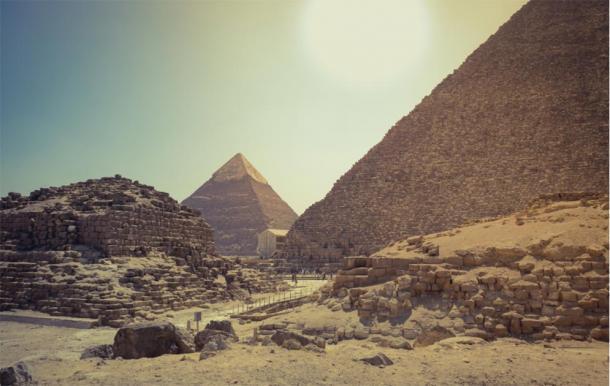 Pirámide del sol de Khufu y Khafra. (Imagen: octofocus / Adobe Stock)