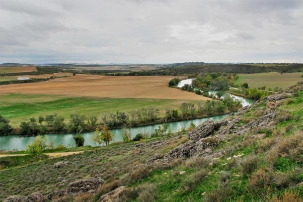 El río Tajo desde el sitio arqueológico de Caraca en Driebes, España, donde se cree que tuvo lugar la primera gran victoria de Aníbal. (Equipo Arqueológico Caraca)