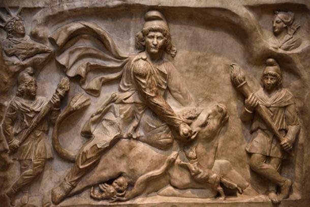 Talla de mármol del dios Mitra, matando a un toro místico. (Reimar / Adobe Stock)