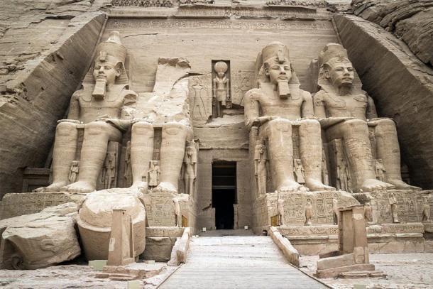 El Templo de Ramsés II en Abu Simbel, Egipto. (inigolaitxu/ Adobe stock)