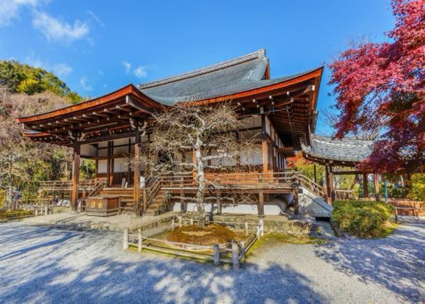 El antiguo Templo Tenryuji, donde se encontró la fábrica de sake en Kyoto, Japón. coward_lion/ Adobe stock