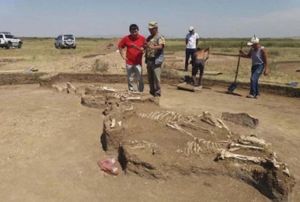 La tumba de una sacerdotisa también fue encontrada cerca. (Noticias de East2west)