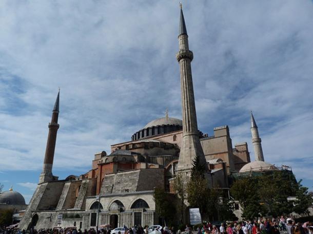 Hagia Sophia, que había sido una iglesia cristiana; el día que cayó Constantinopla, el conquistador otomano ordenó que la iglesia se convirtiera en una mezquita musulmana. (Derzsi Elekes Andor / CC BY SA 4.0)