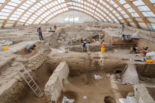 Los hallazgos del nuevo informe se basan en 25 años de estudio de restos humanos desenterrados en Çatalhöyük. Scott Haddow / Universidad Estatal de Ohio