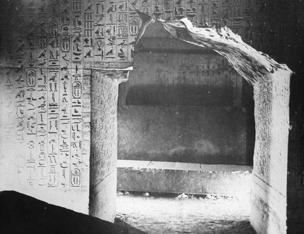 Los Textos de las Pirámides inscritos en las paredes de la cámara interior de la pirámide de la quinta dinastía de Unas en Saqqara. (GDK / Dominio Público)