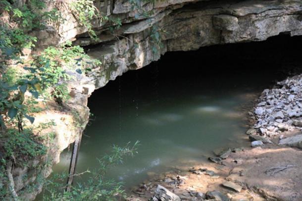 El río Styx emergente, cueva de mamut, Kentucky. (Daveynin / CC BY 2.0)