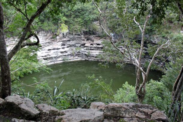 El Cenote Sagrado en Chichén Itzá, ubicación de muchos sacrificios mayas. (Anagoria / CC BY-SA 3.0)