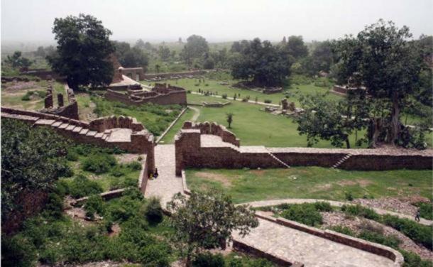 Los extensos terrenos del fuerte de Bhangarh. Fuente: BigStockPhoto