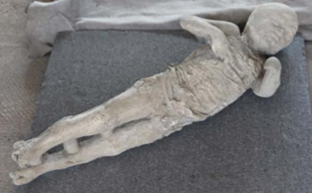 Las víctimas de la erupción volcánica en Pompeya permanecieron encerradas en la ceniza compactada. (themadpenguin / CC BY-SA 2.0)