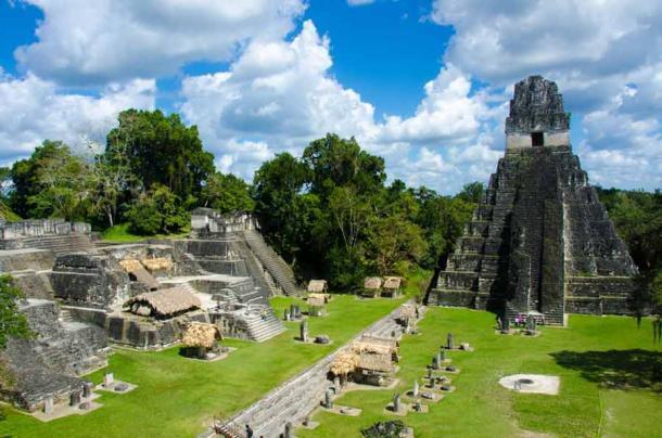 Las famosas ruinas de Tikal en Guatemala. (Simon Dannhauer / Adobe Stock)