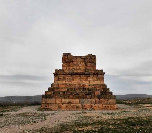 Tumba de Masensen, o Masinissa, el rey de una Numidia unida, ubicada cerca de Cirta, la actual Constantina en Argelia, y una de las capitales de Numidia. (Riad Hadjsadok / CC BY-SA 4.0)