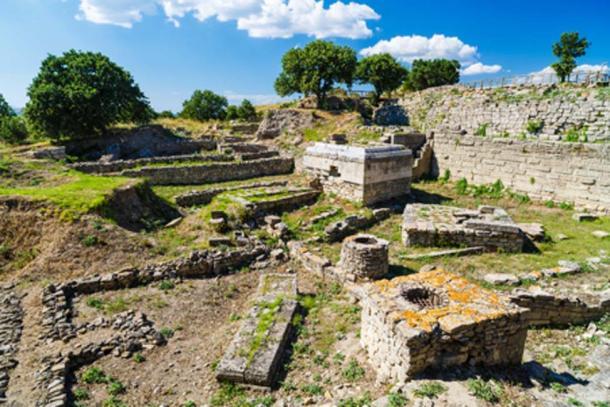 Las ruinas de la legendaria antigua ciudad de Troya en Turquía. Crédito: czamfir / Adobe Stock