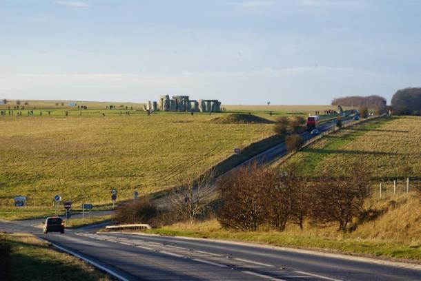 Se supone que el túnel Stonehenge ayuda al tráfico en el área. Peter Trimming / CC BY-SA 2.0.