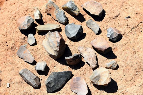 Un ejemplo de raspadores de la edad de piedra (dominio público)