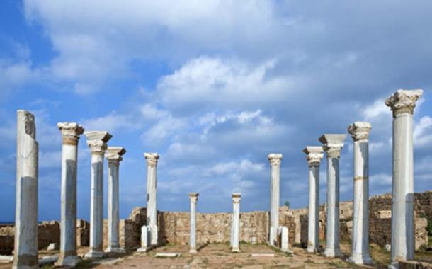 Magníficas columnas que una vez adornaban la Basílica de Apollonia (Guimas / Adobe Stock)