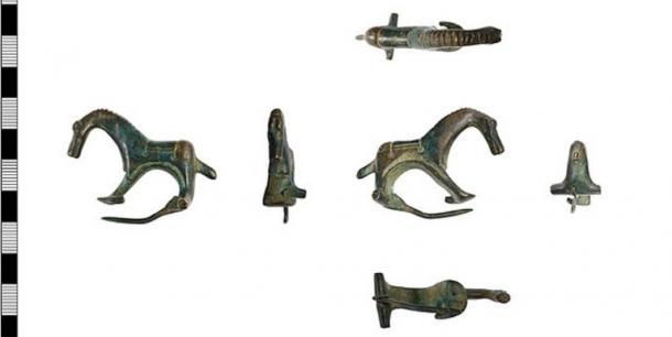 Diversas vistas del broche romano. (El museo de la colección en Lincolnshire)