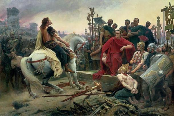 Vercingetorix, un líder de la tribu gala, arroja sus brazos a los pies de Julio César. (Hohum / Dominio público)