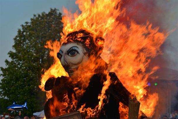 Noche de Walpurgis, quema de brujas (ACOBA/ Adobe Stock)