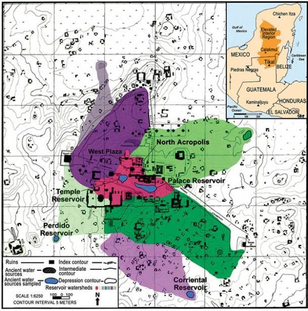 Mapa de la cuenca del núcleo del sitio de Tikal. El área roja en el medio del mapa representa la parte del núcleo del sitio que drena en los Depósitos del Templo y el Palacio. (Lentz et al. 2020)