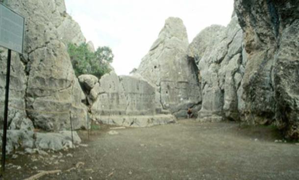 Yazılıkaya sitio del antiguo observatorio astronómico. (Kpisimon / CC BY-SA 3.0)