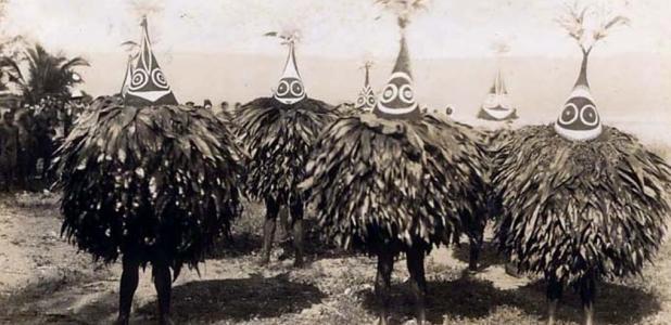 Duk Duk bailarines; el Duk Duk - sociedad secreta de hombres, 1913.