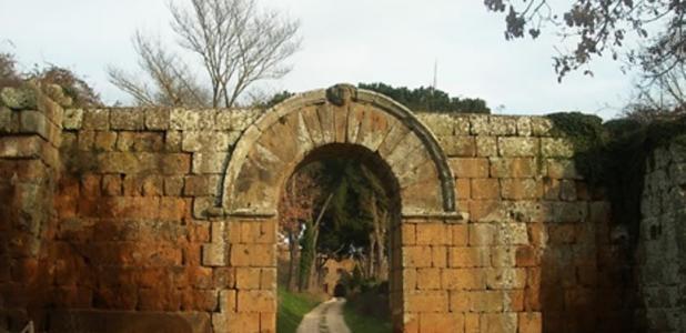 Portada - Puerta de entrada a Falerii Novi. (Comune di Fabrica di Roma/CC BY SA 3.0)