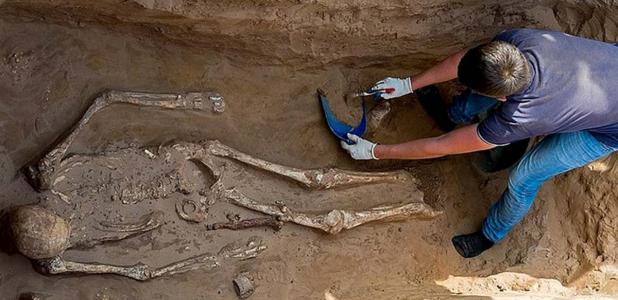 Esqueleto encontrado en el sitio de entierro nómada de Nikolyskoye. Fuente: Ministerio de Cultura y Turismo de la región de Astracán.