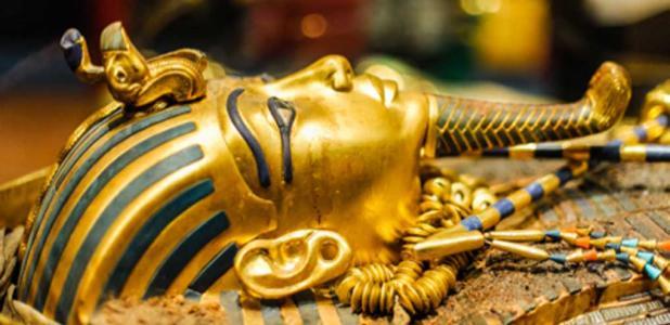 Máscara del faraón Tutankamón. Fuente: Dieter Hawlan/ Adobe Stock.