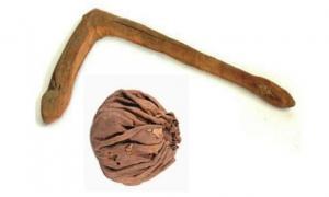 Antiguos taco y pelota de Polo hallados en lasTumbas Yanghai
