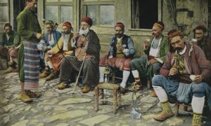 Imagen de portada: Hombres fumando pipas, época Otomana, Turquía (Antiller / Flickr)