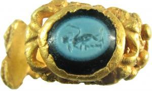 Portada-La imagen de Cupido fue grabada sobre nicolo, un tipo de ónice. A continuación la piedra fue engarzada en el anillo de oro. (Foto: Hampshire Cultural Trust)