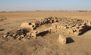 Portada-Una de las 16 pirámides desenterradas en un cementerio de la antigua ciudad de Gematon, en Sudán. La pirámide probablemente alcanzaba una altura superior a los 39 pies (12 metros). Foto: D. A. Welsby; © Archivo de la SARS NDRS