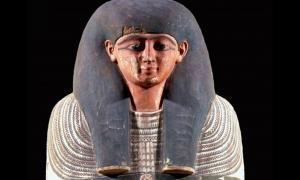 Portada-el sarcófago de Irtieru es de una calidad excelente, lo que sugiere que era un personaje de alto rango. (foto del Museo Nacional de Arqueología de Lisboa)