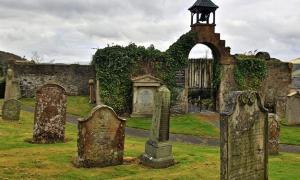 Portada - el Auld Kirk de Selkirk, del que un equipo de arqueólogos afirma que fue el lugar en el que William Wallace fue nombrado Guardián de Escocia en el año 1297. (Fotografía: Scottish Borders Council)