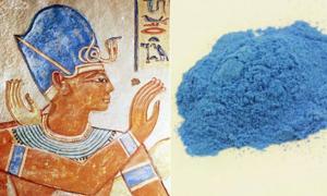 Portada-Izquierda: Azul Egipcio tal como se utilizó en una imagen de Ramsés III, datada en el 1170 a. C. (Imagen original). Derecha: pigmento Azul Egipcio. (Imagen original)