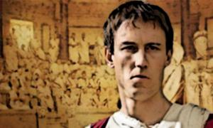 "Portada - Tobias Menzies caracterizado como Marco Bruto en la serie ""Roma"". (Wikimedia)"
