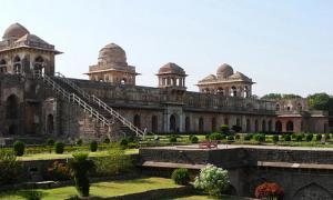 Portada-El Jahaz Mahal de la antigua ciudad de Mandu, en la India (Axel DrainvilleFlickr).jpg