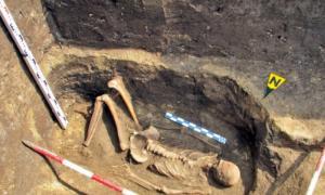 Esqueleto de un gigante hallado en Rumanía. (turnulluibabel.wordpress.com)