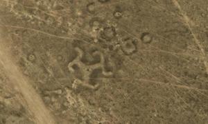 Portada-Los espectaculares y antiguos geoglifos de Kazajistán adoptan muy variadas formas geométricas, como círculos, cuadrados, e incluso una esvástica. Foto: Google Earth.