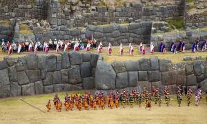 Portada - El festival del Inti Raymi, en honor al dios inca del sol Inti, se celebra todos los años en el solsticio de invierno (finales de junio) en la antigua capital inca de Cusco, Perú (CC by SA 2.0)